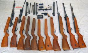 Tarnów - Zatrzymany 50-letni mężczyzna posiadał nielegalnie broń palną i amunicję