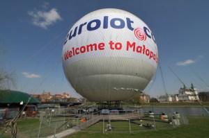 Balon z reklama Eurolot.com /fot. Jan Graczyński