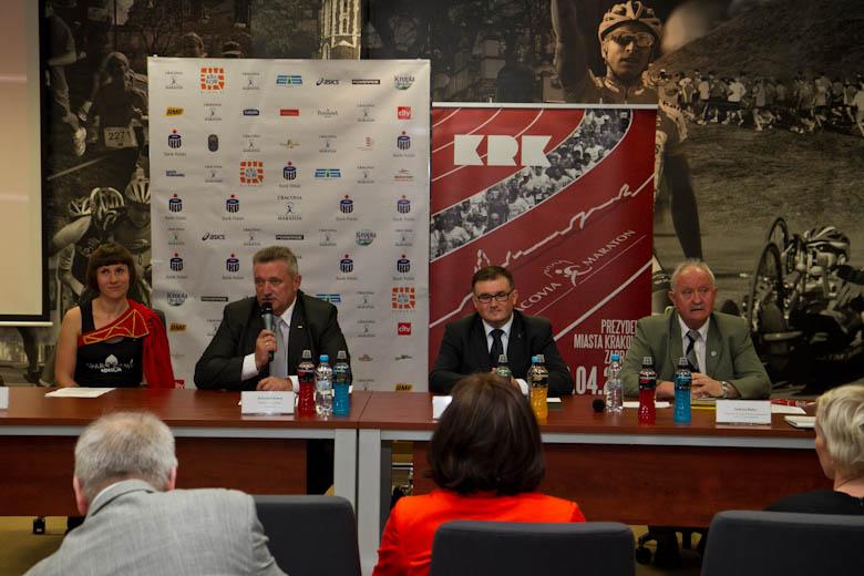 Wszyscy biegają Cracovia Maraton 2013