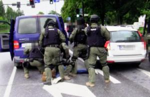 policja-zatrzymanie kiboli.Fot.policja