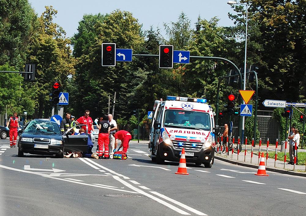 Tragiczny wypadek przy ul. Praskiej - Nie żyje 68 letnia kobieta [ zdjęcia ]