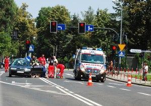 Wypadek na skrzyżowaniu ulic. Praskiej i Zielińskiego. Fot.Bogusław Świerzowski / INFO Kraków24