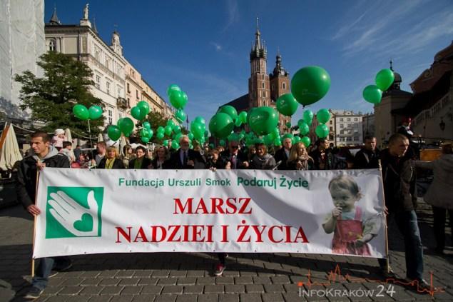 """VI """"Marsz Nadziei i Życia"""" - Solidarni z chorymi. Fot. jan Graczyński / INFO Kraków24"""