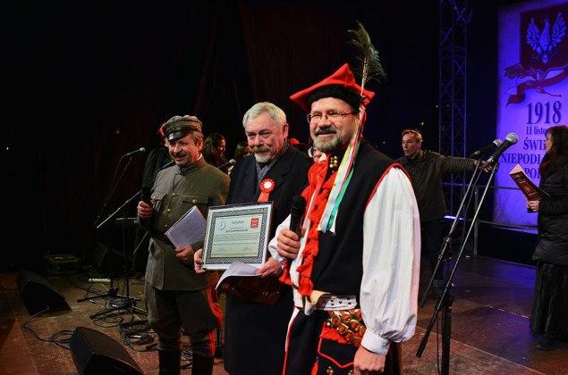 Certyfikat dla Prezydent. Fot. Bogusław Świerzowski/INFO Kraków24