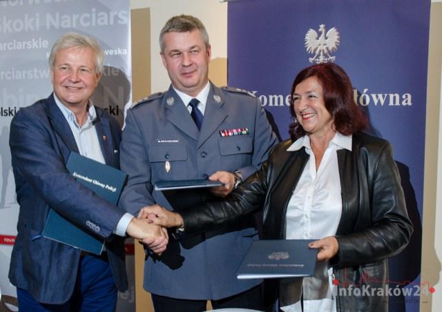 Podpisanie umowy o współpracy pomiędzy polską Policją a polskim Związkiem Narciarskim. Fot. Bogusław Świerzowski / INFO Kraków24