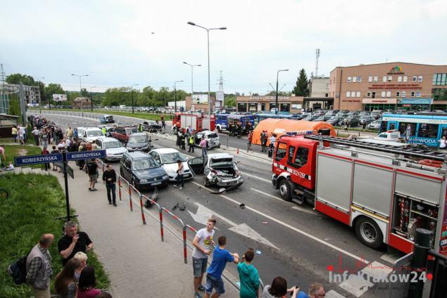 Wypadek na Grota Roweckiego. Fot. Jan Graczyński / INFO Kraków24