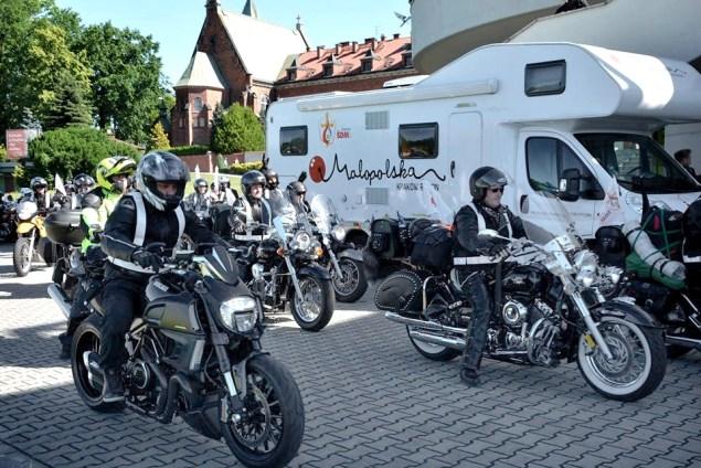 Camper Małopolski z pielgrzymką motocyklistów