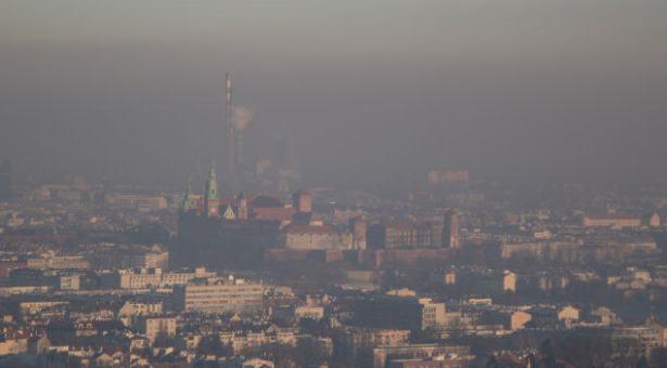 Także w sobotę z powodu smogu darmowa komunikacja dla kierowców