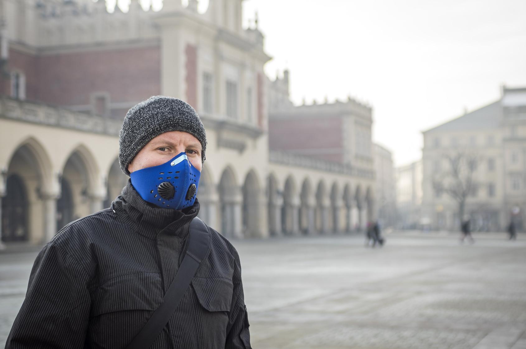 Alarm smogowy! Nie wychodź z domu bez maski