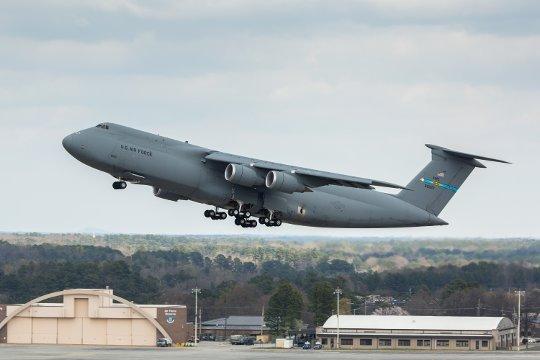 C-5M numer 17
