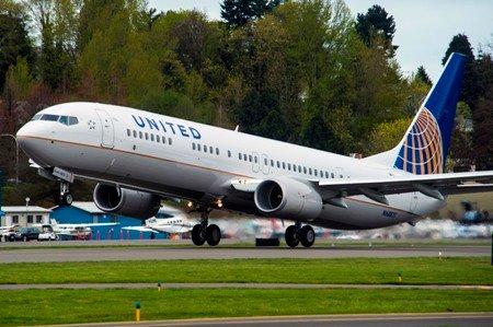 737 united
