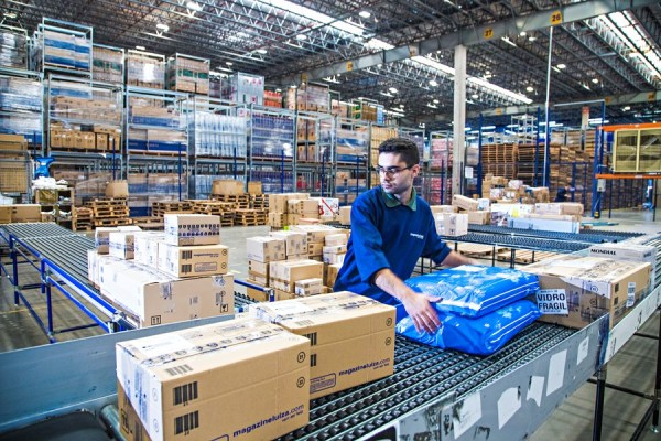 Ações do Magazine Luiza sobem 4% e da Cosan caem forte após resultado; Vale avança com estímulos na China