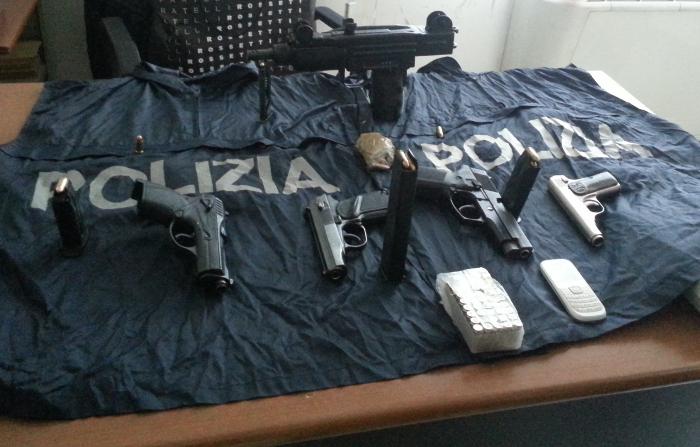 Arsenale al Rione Sanità. Numerose armi sequestrate