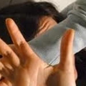 Picchia la moglie davanti ai bambini. Arrestato marito violento