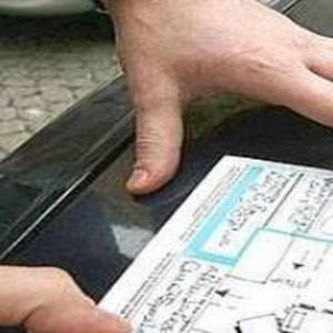 Falsi incidenti stradali: 8 arresti. Nei guai il titolare di un'agenzia di pratiche auto