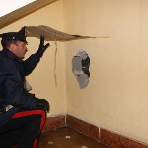 "Carabinieri sventano colpo della ""banda del buco"" alle poste"