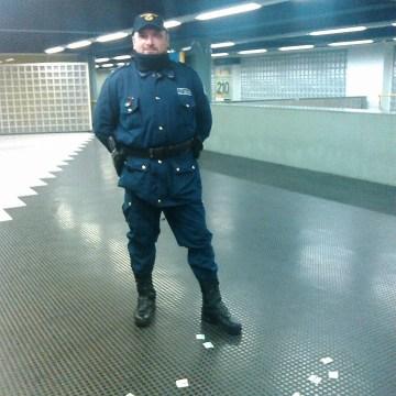 Napoli, non migliorano le condizioni della guardia giurata ferita violentemente alla testa. L'Associazione Nazionale Gpg annunciano diverse manifestazioni