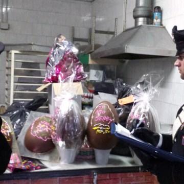 Casoria, carabinieri sequestrano uova di Pasqua e colombe a base cioccolato senza indicazioni obbligatorie e data di scadenza