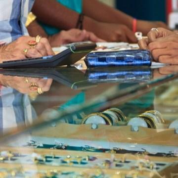 Napoli, controlli a tappeto ai negozi 'Compro oro'. Truffavano i clienti con bilance truccate