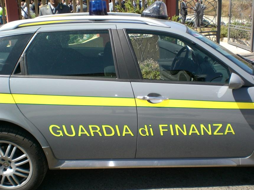 Napoli, arresti domiciliari per il marito dell'imprenditrice antiracket Silvana Fucito. L'accusa è di associazione per delinquere