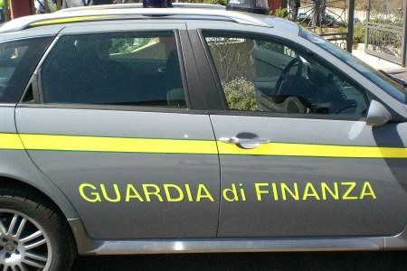 """Napoli, traffico internazionale di cocaina; catturato """"Armando""""."""