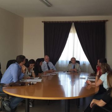 Sant'Antimo, il sindaco Francesco Piemonte tende la mano agli operatori sociali della cooperativa Confini