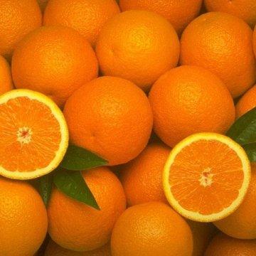 Afragola, ai carcerati non più le arance ma i soldi della loro vendita. In tre finiscono in manette per estorsione.