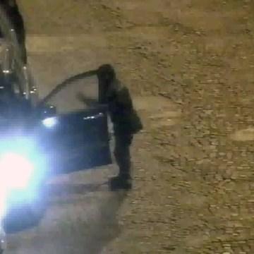 Afragola, blocca un automobilista per costringerlo a pagare. Arrestato parcheggiatore abusivo