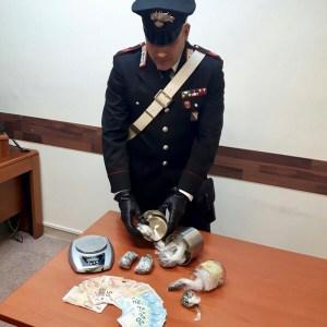 Sant'Antonio Abate, trovato in possesso di droga e contanti. Arrestato 39enne