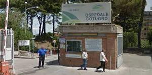 Napoli, omofobia tra le corsie dell'ospedale. Associato Arcigay bullizzato all'ospedale Cotugno