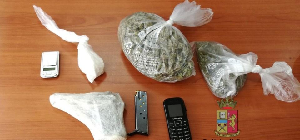Napoli, droga ed armi nell'abitazione. Arrestato 47enne napoletano