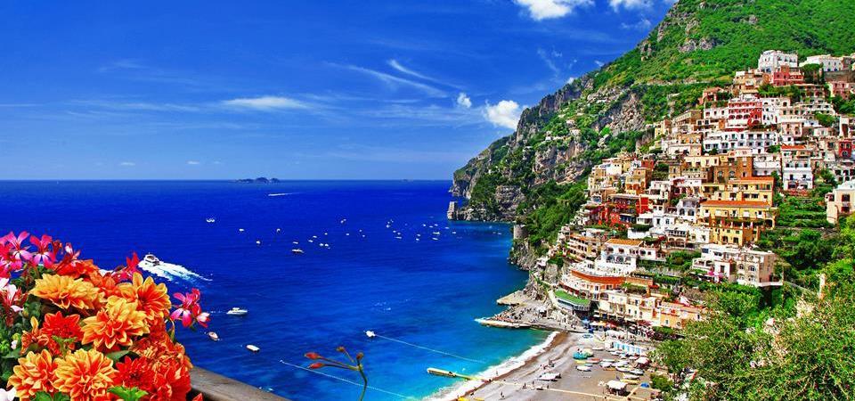 Napoli, 8 regole d'oro per la scelta della vacanza online. Estate sicura grazie alla Polizia Postale e Subito.it