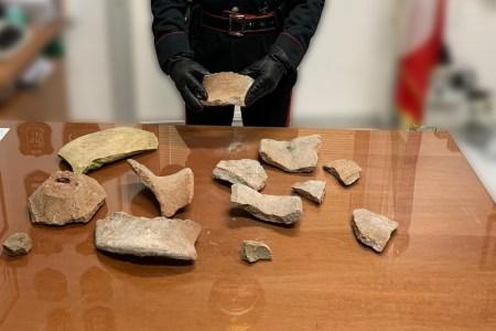 Parco archeologico di Pompei: forza la recinzione e ruba frammenti di vasi antichi. Arrestato