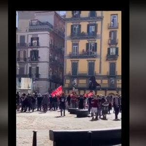Napoli, scontri durante la manifestazione SI Cobas. Tre agenti feriti. Gabrielli: atto grave, punire i responsabili