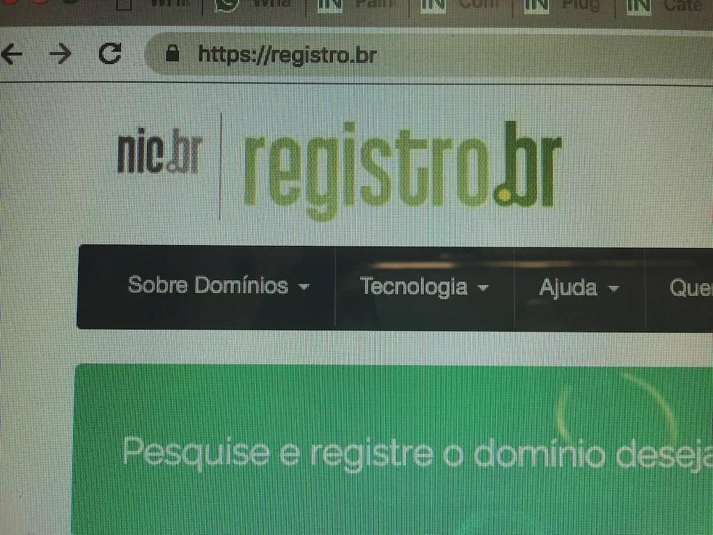 Acesse o site do www.registro.br