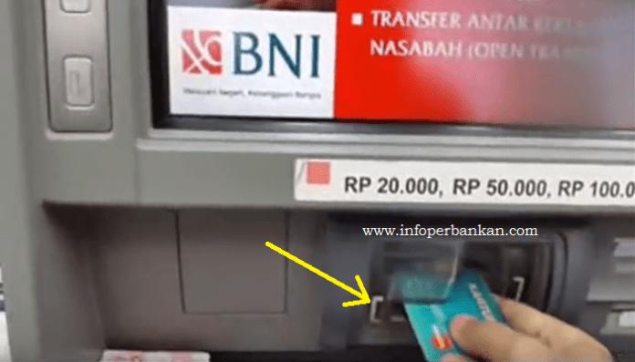 Masukan Kartu ATM dengan Benar