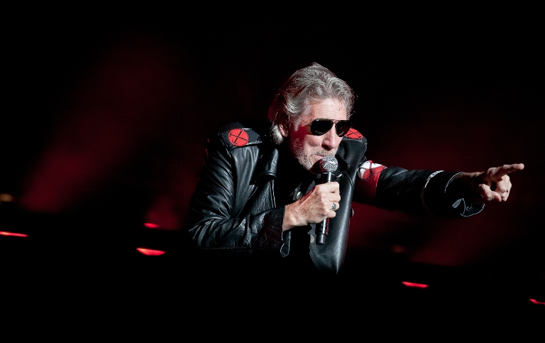 Roger Waters a daramat Zidul la Bucuresti!