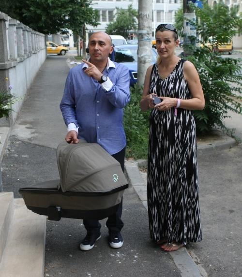 Marcel Pavel face naveta la Chişinău! Artistul se pregăteşte pentru botezul fetiţei!