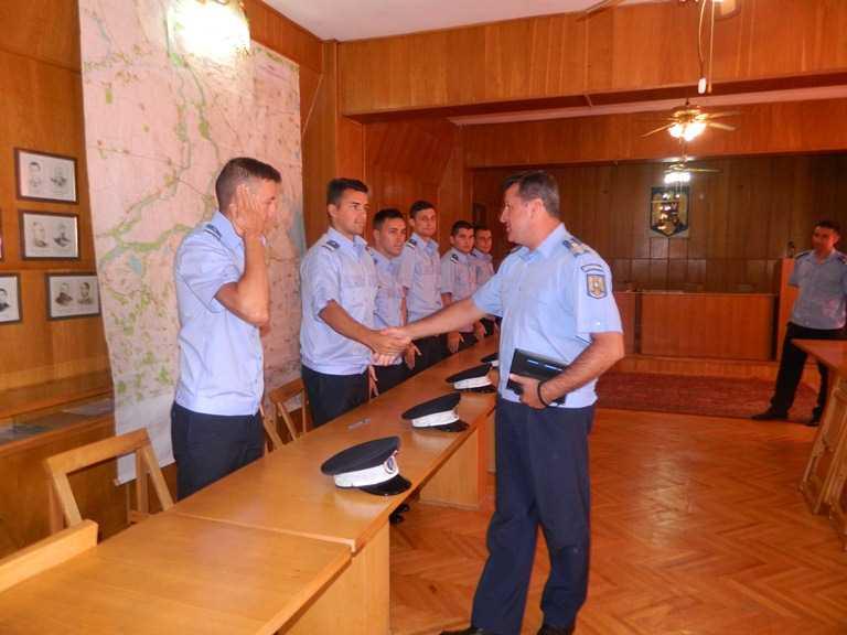 Şase subofiţeri din promoţia 2014,  ai Şcolii Militare de Subofiţeri  Jandarmi
