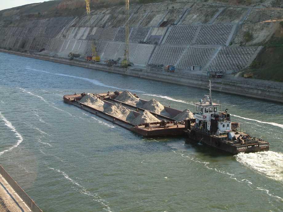 Crestere a traficului pe Canalul Dunare Marea Neagra si Poarta Alba Midia Navodari