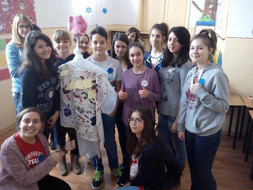 142 de tineri vor derula acţiuni de voluntariat în prag de Crăciun, la Constanţa