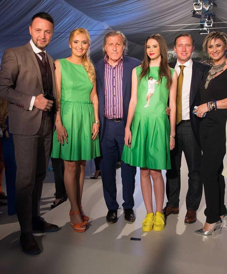 """După ce i-a pus chipul lui Ilie Năstase pe rochiile prezentate la Bucharest Fashion Week, Adela Diaconu aduce """"extravaganza"""" la Brașov!"""