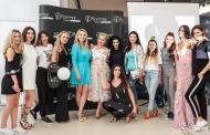 Creatoarea de modă Mirela Novak și-a prezentat și în România, rochiile pe care le-a etalat la Cannes!