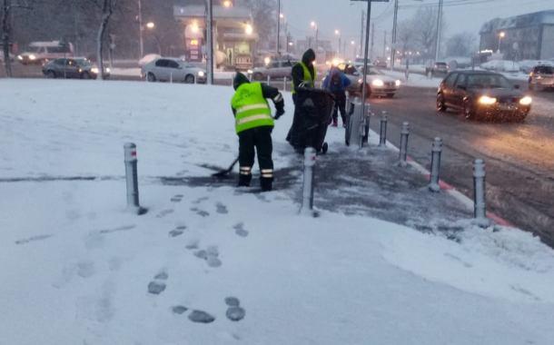 Polaris acţioneazǎ cu utilajele de deszăpezire pe strǎzile din Constanţa
