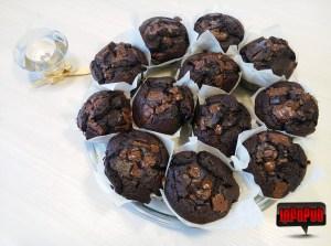 Reteta simpla de briose cu ciocolata si cacao