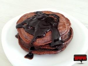 Pancakes cucacaosiciocolata in farfurie