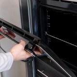 Cum se demonteaza usa de la cuptorul incorporabil Whirlpool