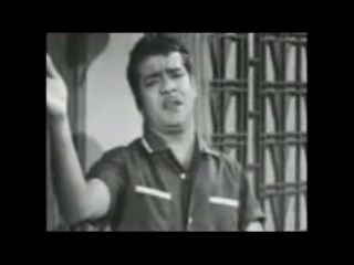 Unakkaga Ellam Unakkaga Song Still in Pudhayal