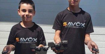 Los hermanos Pariente fichan por Savox a través de SWorkz Europa
