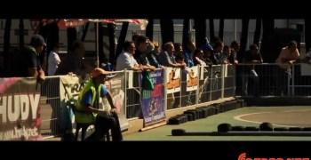 Un video de auténtica competición, coches radiocontrol en pista